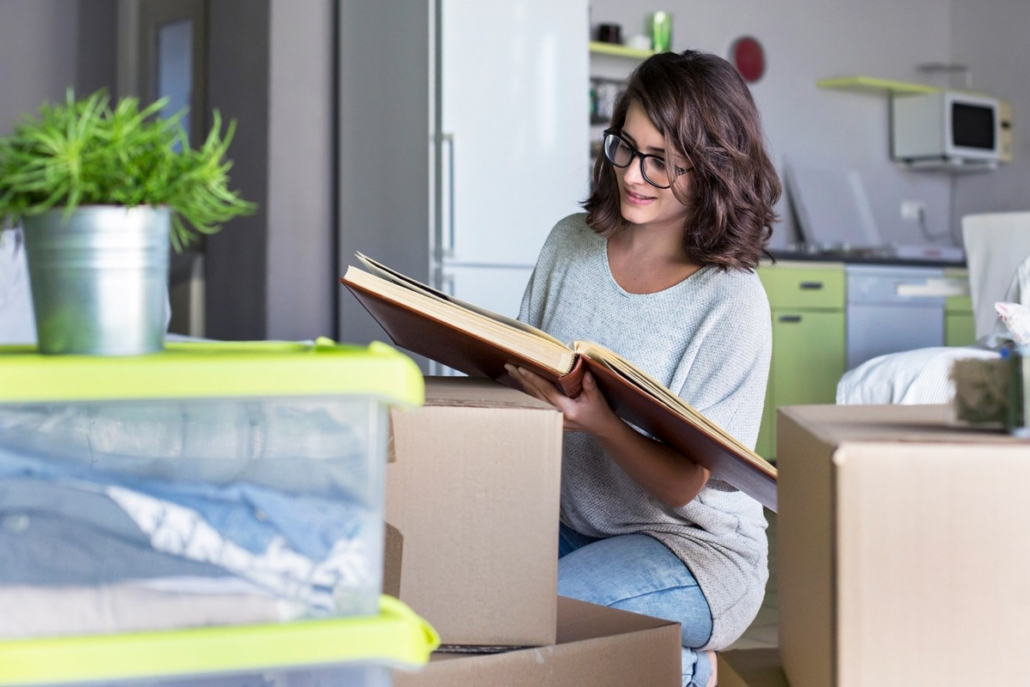 6 Tips on Decluttering Following the Death of a Loved One
