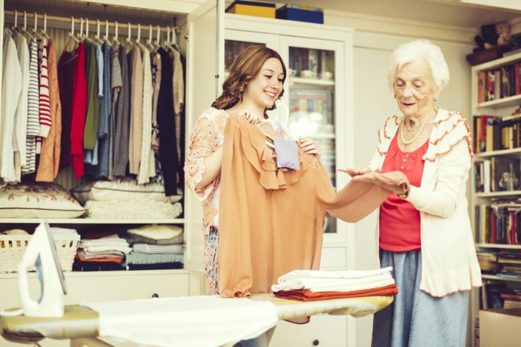 4 Tips for Cleaning Out a Late Loved One's Closet
